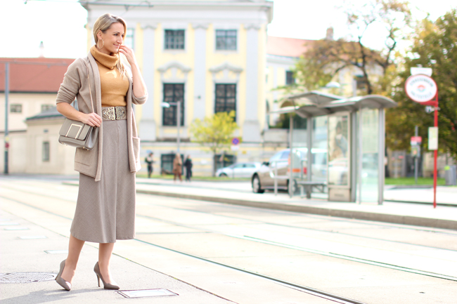 dc383ef47a3 Cardigan & midi skirt - collected by Katja. lifestyle blog for women ...