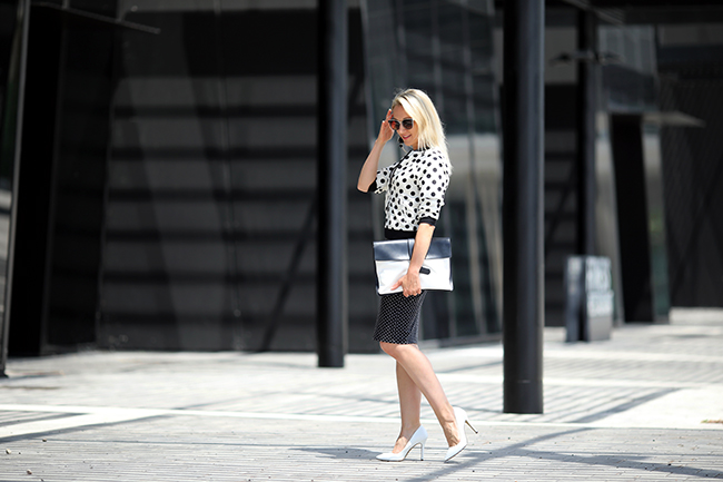 collected by Katja, Business Outfit Sommer, Outfit Büro Sommer, Mustermix, mix of patterns, Outfit Punkte, outfit dots, black & white outfit, schwarz weiß Punkte Outfit, Ü30 Blog, Ü 40 Blog, Ü 40 Outfit, Modeblog Österreich, fashion blogger austria