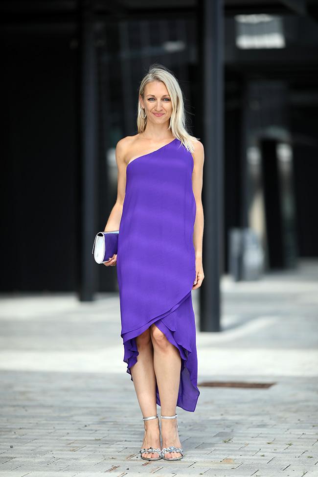 One Shoulder Kleid, asymmetrisches Kleid, Sommerkleid, Maxikleid, Sandaletten, Metallic Heels, Sommer Outfit, Sommerkleid, Ü40 Blog, Modeblog Österreich, collected by Katja