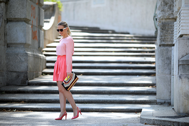 collected by Katja, Ü40 Blog, Ü40 Styling, Ü40 Outfit, Outfit Pink Rosa, Styling Tipps Rosa, pink shorts, pink sling pumps
