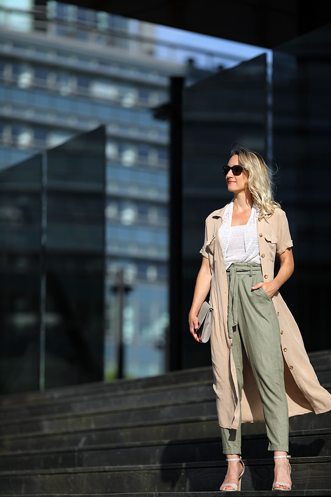 collected by Katja, Sommertrend 2019, Trend Sommer Outfit, Leinen, Paperbag Hose, paperbag linen, Safari Look, linen sophisticated, midi dress linen, Ü40 Blog, Ü40 Outfit, Ü40 fashion, lifestyle blog, Modeblog Österreich