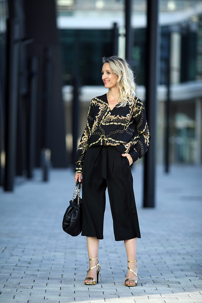 collected by Katja, lifestyle blog, Ü40 Modeblog, fashion over 40, Styling Culottes, Sommer Outfit, Modetrends Herbst 2019, High Heels gold Outfit