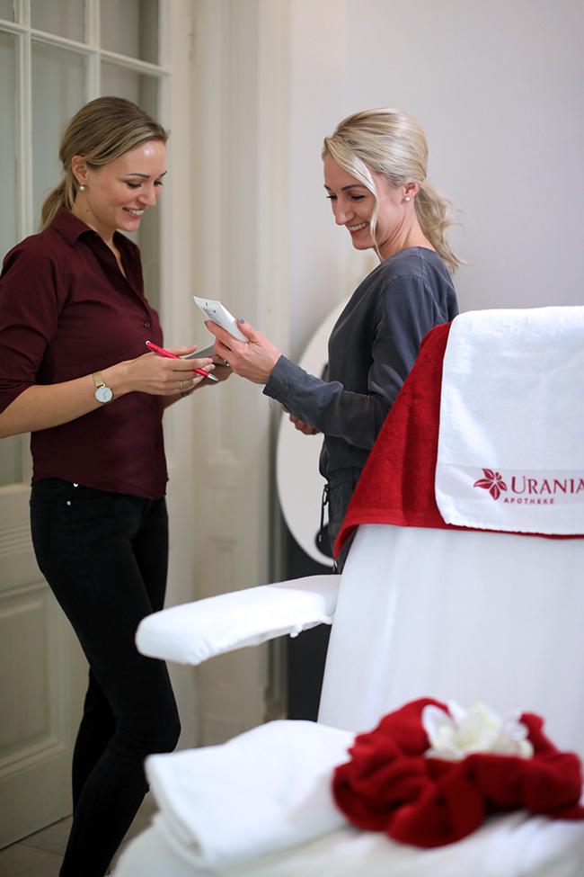 collected by Katja, Ü 40 Blog, Gesichtsbehandlung Wien, Dermokosmetik, apparative Kosmetik, Anti Aging, Kosmetikinstitut Wien, Mikrodermabrasion Wien, Urania Beauty,  Aknebehandlung, Reviderm